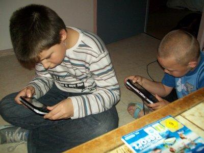 Mon fils en mode PSP avec kalvin le fils de nos amis