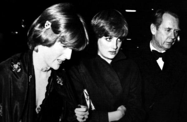 Lady Diana Spencer , Princess Margaret's 50th birthday party à  Buckingham Palace.