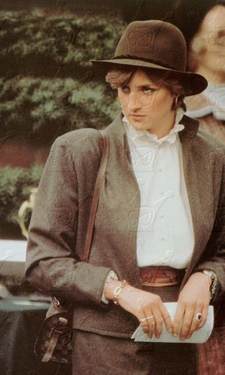 lady diana spencer horse racing sandown park