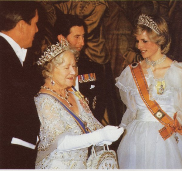 Welcoming Queen Beatrix & Prince Claus of the Netherlands - le 18 Novembre 1982 _ Suite