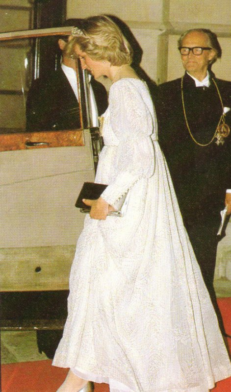 Princess Diana - Banquet Royal Society of Arts Piccadilly  London, Le 14 Mai 1984 _Suite