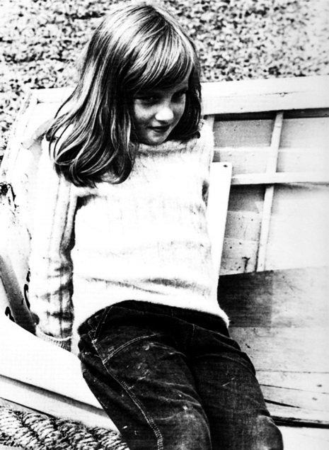 Diana à différent âges  _& _  Les Noces d'or du 7e Comte Spencer - mars 1969 _