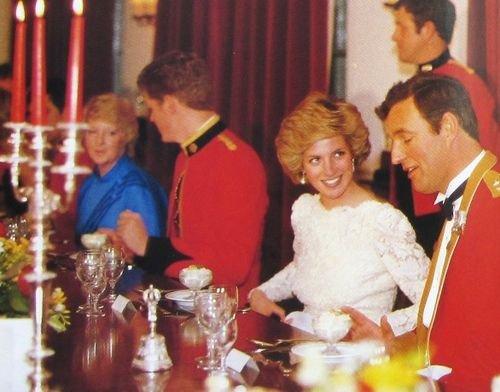 Princess Diana Berlin of solo , le 18 octobre 1985 _ Suite