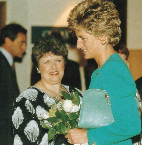 Blog de theprincessdianafan2 page 1508 blog sur lady for Chambre commerciale 13 octobre 1992