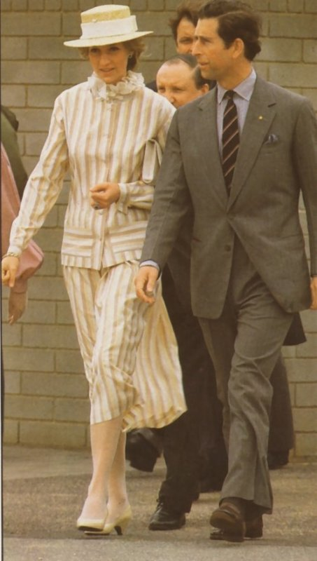 Prince & Princess Of Wales - Tour Of Australia & New Zealand - 05 Avril  1983 - Suite