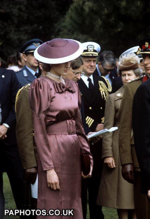"Diana & Charles - The Italian Tour _ Suite "" Cimetière Anzio - 28 Avril 1985 """