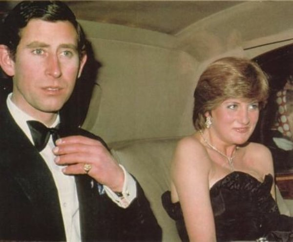 The First Public Engagement of Lady Diana Spencer _ 09 Mars 1981 - Suite