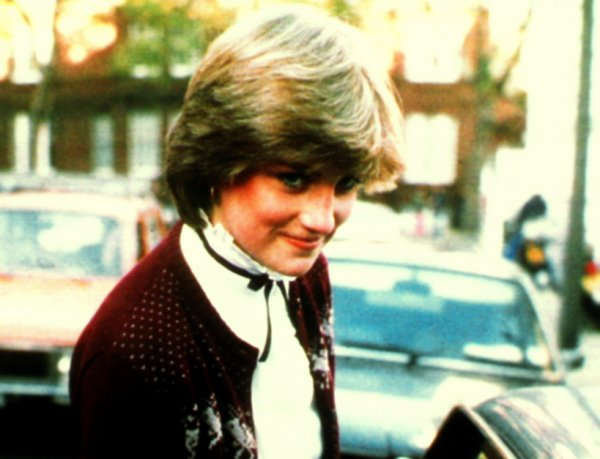 Lady Diana Spencer - 12 Novembre 1980 _ Suite