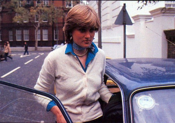 Lady Diana Spencer - Décembre 1980 _ Suite