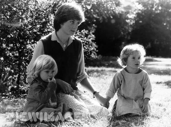 Lady Diana Spencer , England Kindergarten - 17 Septembre 1980 _ Suite