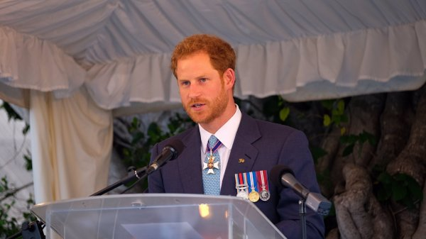 Prince Harry - The Caribbean Day 10 , le 30 Novembre 2016 _ Suite