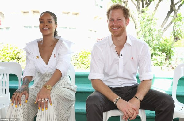 Prince Harry - The Caribbean Day 11 , le 01 er Décembre  2016 _ Suite