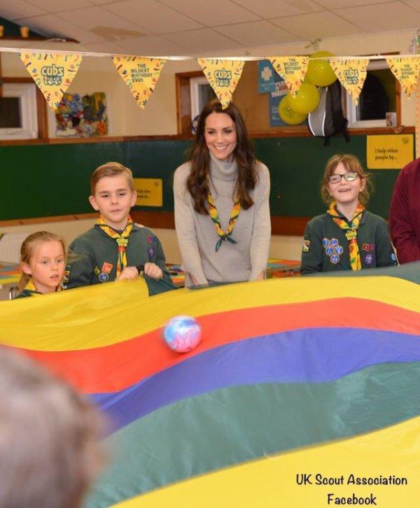 Duchess Catherine - Cub Scout Pack , le 14 Décembre 2016 _ Suite