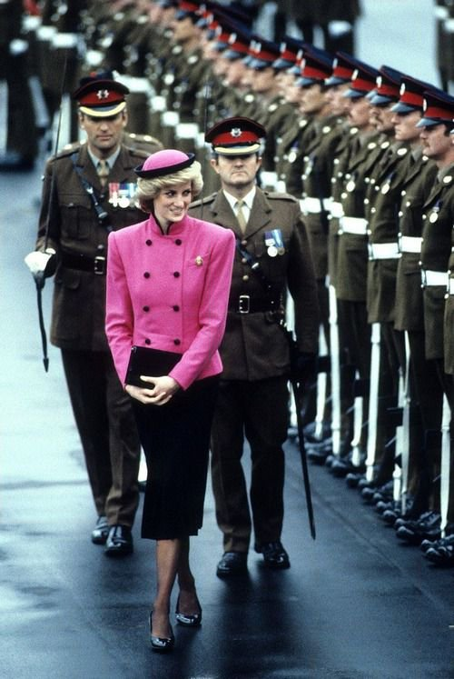 Princess Diana Berlin of solo , le 18 octobre 1985 _ Suite