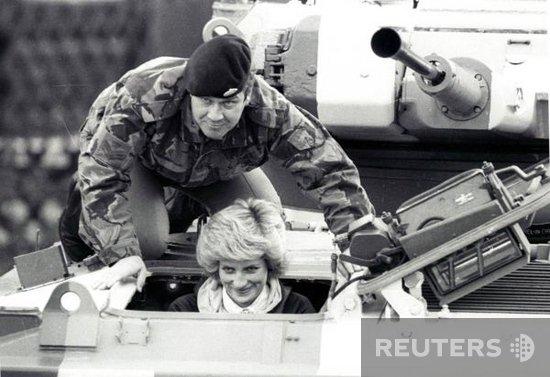 Princess Diana Berlin of solo , le 19 octobre 1985 _ Suite