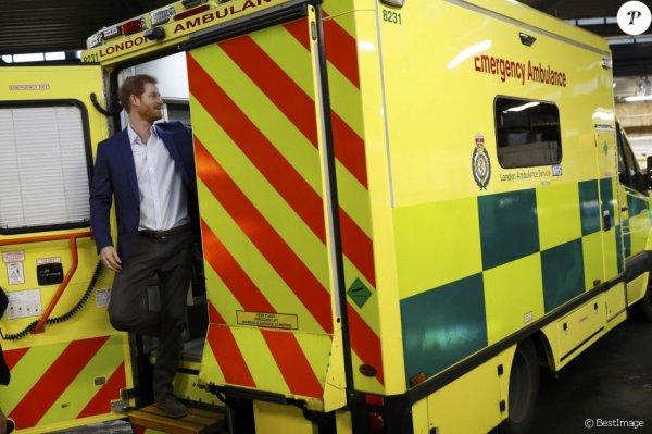 Prince Harry - the London Ambulance Service , le 2 février 2017 _  Suite