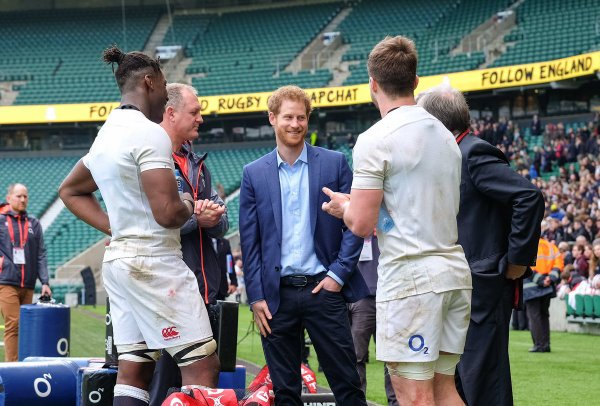 Prince Harry - the England Rugby Team Open Training Session , le 17 Février 2017 _ Suite
