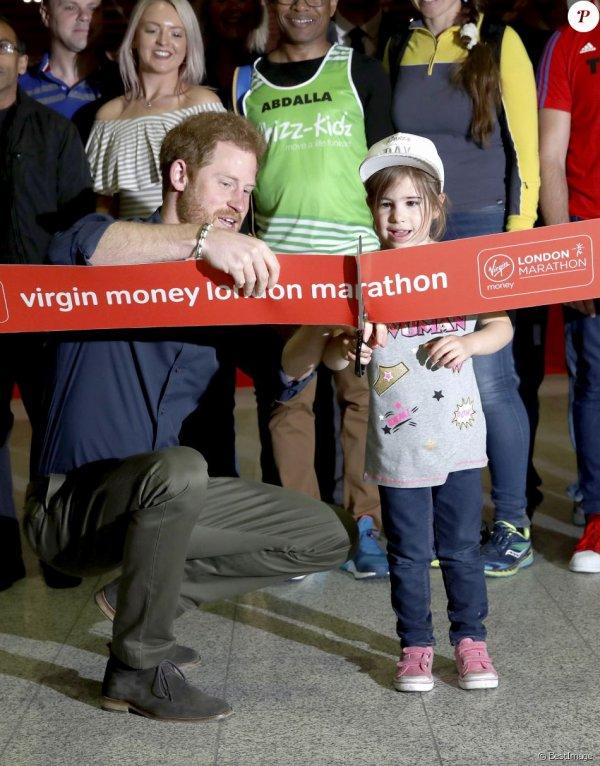 Prince Harry - the Virgin Money London Marathon Expo , le 19 Avril 2017 _ Suite