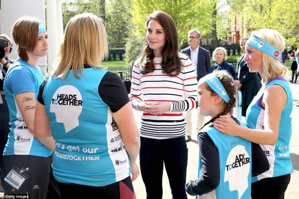 Duchess Catherine -Team Heads Together Kensington Palace , le 19 Avril 2017 _ Suite