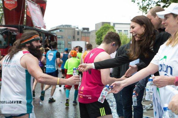 William & Catherine et Harry - Virgin Money London Marathon , le 23 Avril 2017 _ Suite