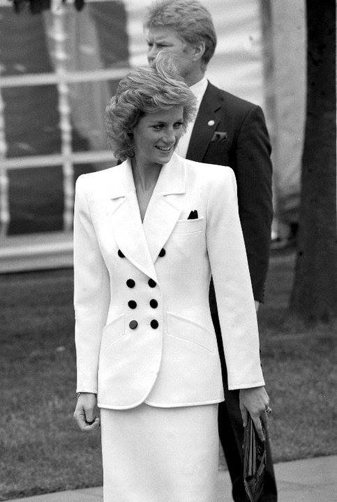 Diana, Princess of Wales Butlin House Bletchley Buckinghamshire , le 25 Mai 1989 _ Suite