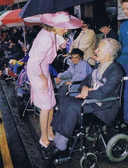 Princess Diana - The Freedom Of The City. à Northampton , le 08 juin 1989 _ Suite