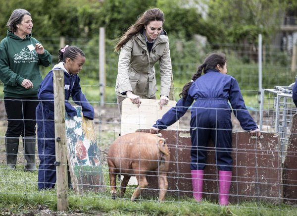 Duchess Catherine - Farms for City Children, le 03 mai  2017 _ Suite