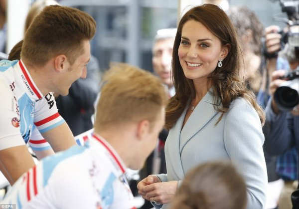 Duchess Catherine - Luxembourg , le 11 Mai 2017 _ Suite