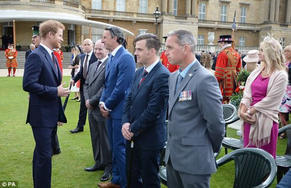 Prince Harry - le 30 Mai 2017 _ Suite