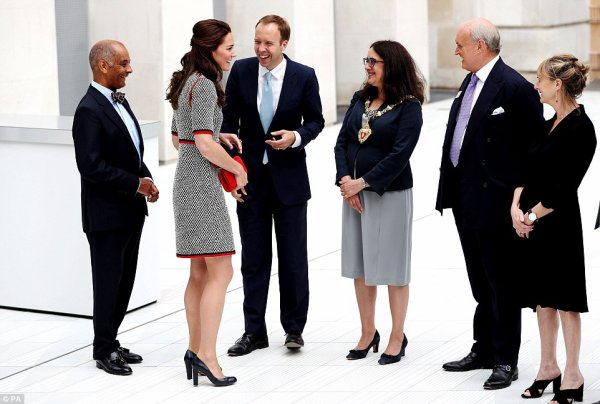 Duchess Catherine - V&A Exhibition , le 29 Juin 2017 _ Suite