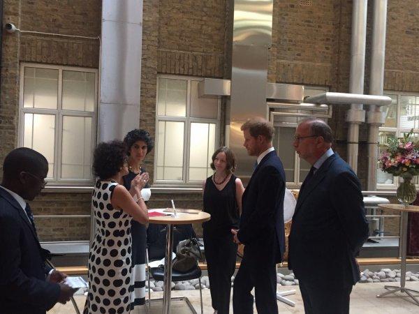 Prince Harry - The London School Of Tropical Medicine , le 10 Juillet 2017_ Suite