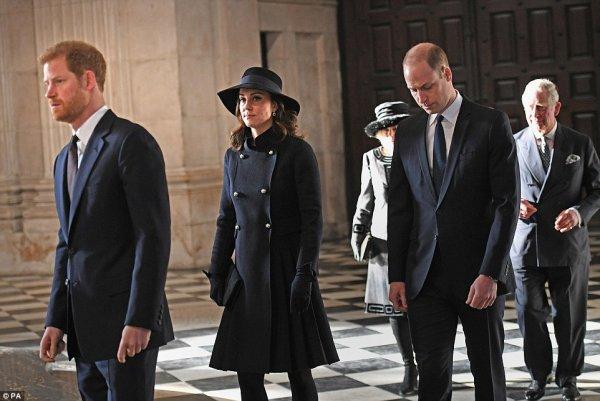 William & Catherine et Harry - Grenfell Tower National Memorial Service , le 14 Décembre 2017 _ Suite