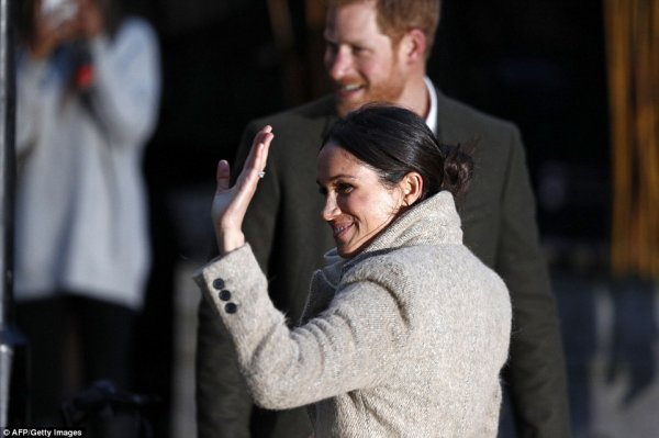 Prince Harry & Miss Meghan Markle - Reprezent Radio Brixton , le 09 Janvier 2018 _ Suite