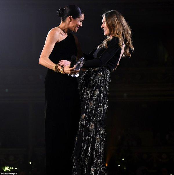 Meghan Of Sussex - British Designer Womenswear Award, le 10 décembre  2018 _ Suite