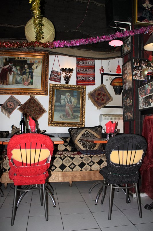 "Restaurant ""Le Petit Village"" / Place Gambetta"