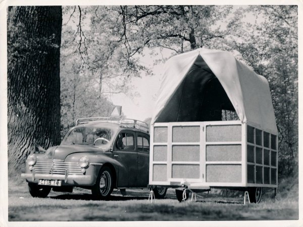 Renault 4 CV + ARTISANALE