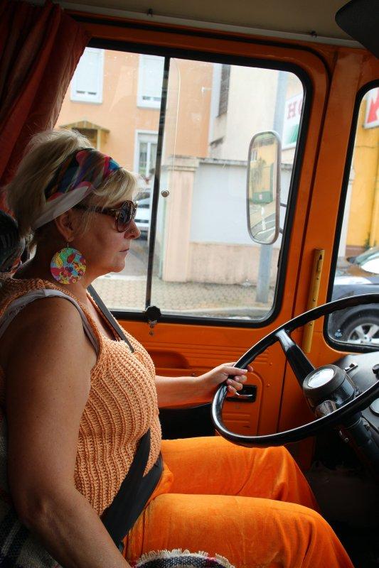 RN7 en fête à Loriol : l'orange est de vigueur