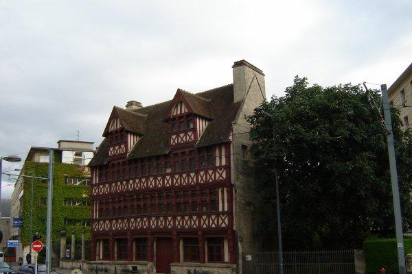 Caen- La maison des Quatrans.