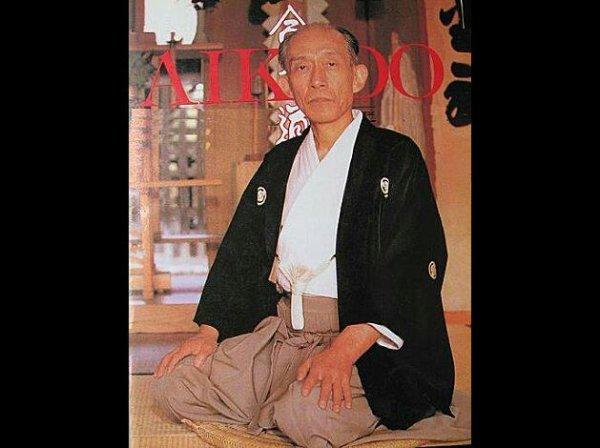 KISSHOMARU UESHIBA SECOND DOSHU DE L'AIKIKAI HOMBU DOJO.