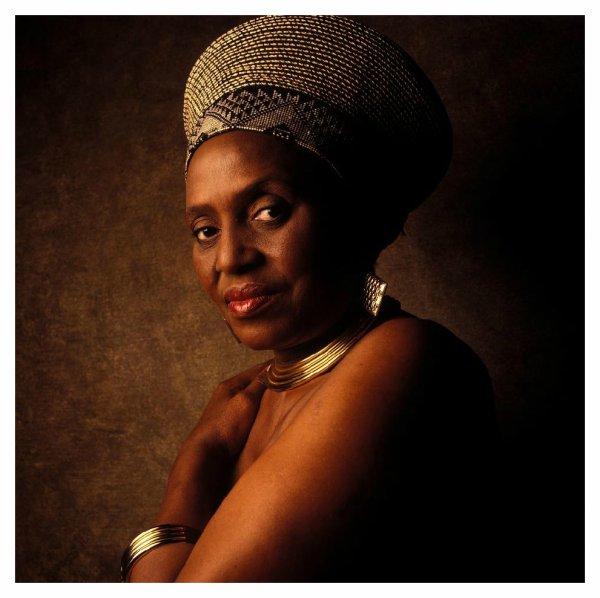 Miriam makeba - Nongqongqo ( - afrique du sud - )
