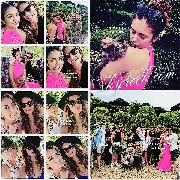 . 04.01.15✈Voici des photos personnelles de Nina Dobrev ! Elle a passé le nouvel an en Nouvelles-Zélande en compagnie de ses amis. .