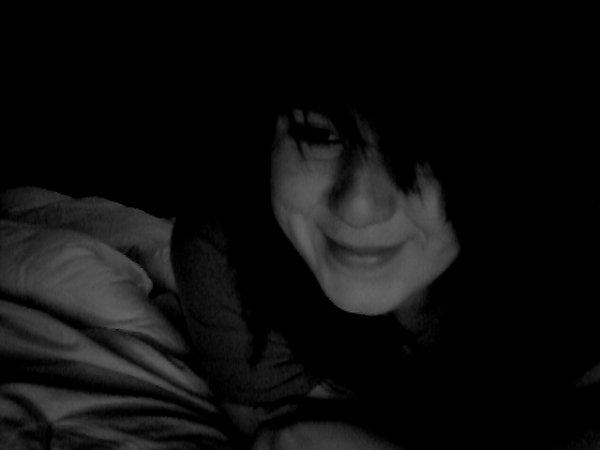 je souris pour toi grand frere <3