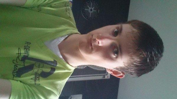 Moi comme je suis avan cheveux long