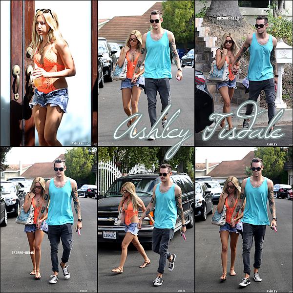 _____Catégorie  ~__ « Candids »  01 / 09 / 13 - Ashley Tisdale & Christopher French se dirige vers une fête à Los Angeles.  ► Il me semble que Ashley portait un mayo de bain. Et pour vous un TOP ou FLOP ?