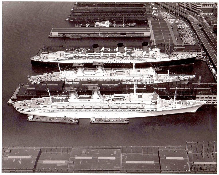 The liner row (suite) : Dolce Vita spirit & old England