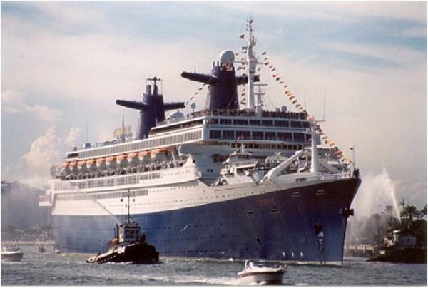 ss NORWAY memories   sept 2001  03rd Farewell crossing   Miami departure