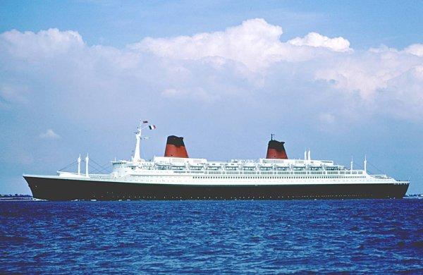 SS FRANCE à SOUTHAMPTON