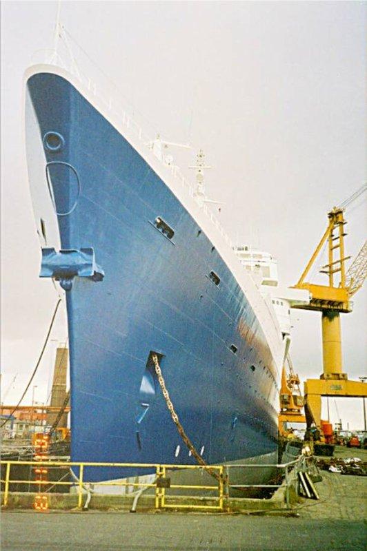 SS NORWAY EX PAQUEBOT FRANCE A BREMERHAVEN novembre 2001