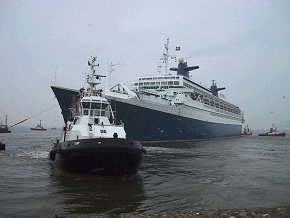 SS Norway arrives in Bremerhaven july 24th, 2003 - Arrivée du SS Norway à Bremerhaven 24 juillet 2003