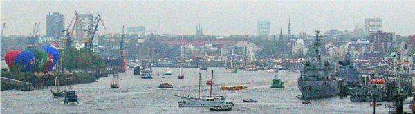 paquebot Queen Mary 2 à la fête du port de Hamburg. (2)  Hafengeburstag